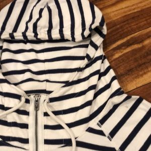 Striped beach hoodie from AEO 🌞